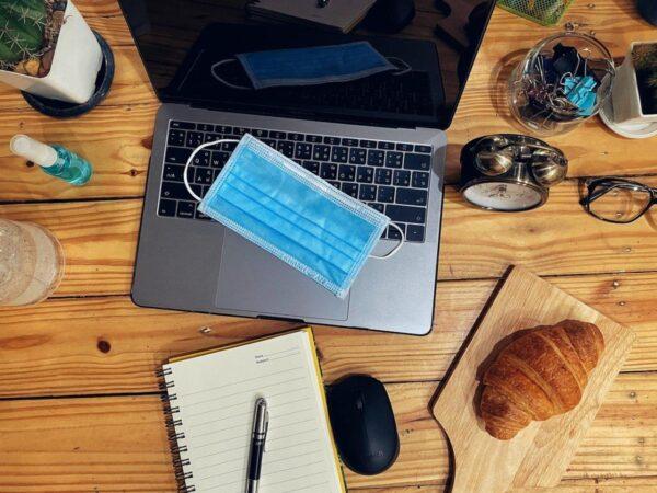 Lavorare viaggiando, la nuova moda in smart working