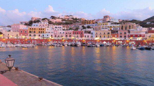 Estate a Ponza: alla scoperta dell'isola